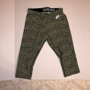 Nike women's leggings size small